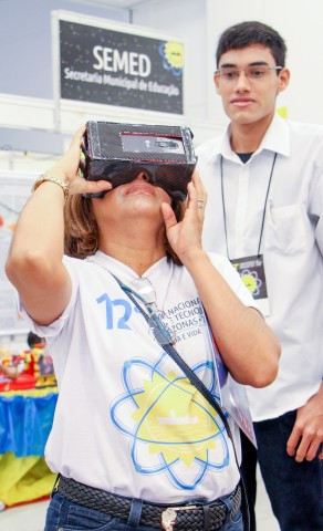[cml_media_alt id='6701']oculos realidade virtual_Lana Santos (2)[/cml_media_alt]