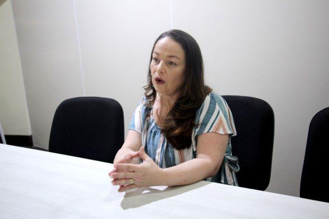 Aline Fidelis - farmacêutica e doutora em Química e Biotecnologia